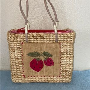Handbags - Woven straw handbag / purse with strawberries 🍓